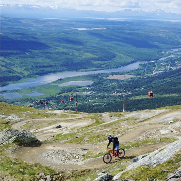 Downhillcykling i Åre.